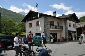 LA STAMPA   Fénis diventa un set per ricostruire il delitto (21 6 2011) | press  | Video Industriali | Filmati Aziendali | Giuseppe Galliano Multimedia Studio |