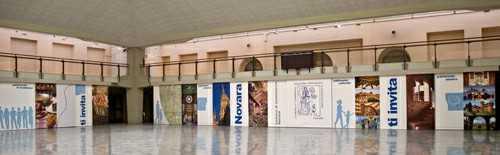 Scenografia amovibile Sala Borsa Camera Commercio Novara (2008) | produzioni varie  | Video Industriali | Filmati Aziendali | Giuseppe Galliano Multimedia Studio |